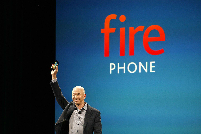 Amazon Fire Phoneが発表されましたね。早速壁紙を。