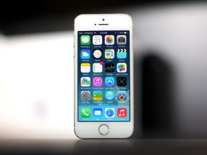 iPhoneの壁紙をジャンルごとに探す